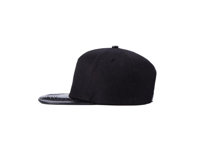 kepka-wuke-black-3