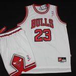 Баскетбольная форма Chicago Bulls-1