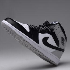 Заказать поиск кроссовок Jordan 1 Retro Barons