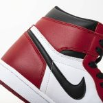 Jordan 1 Retro Chicago (2015)-15