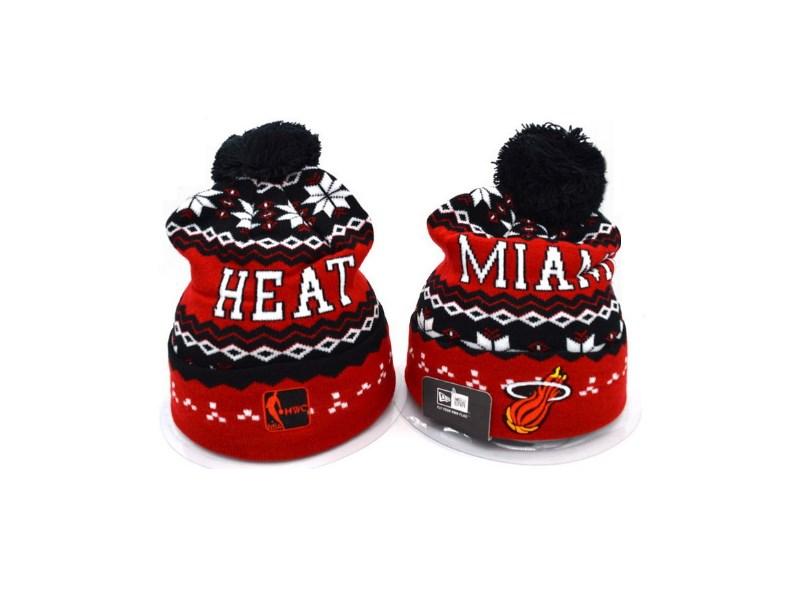 shapka-miami-heat-s-pomponom-1