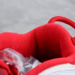 Заказать поиск кроссовокSupreme x Air More Uptempo Red с бесплатной доставкой.