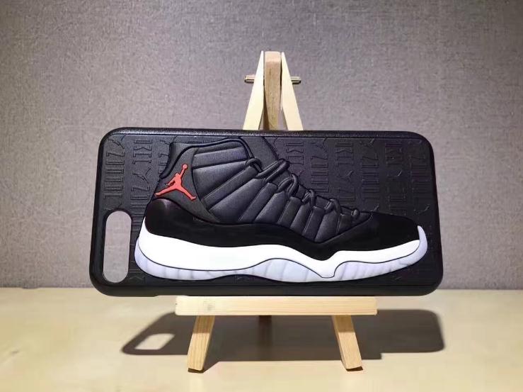 Чехол Air Jordan 12 на iPhone чёрно-серый