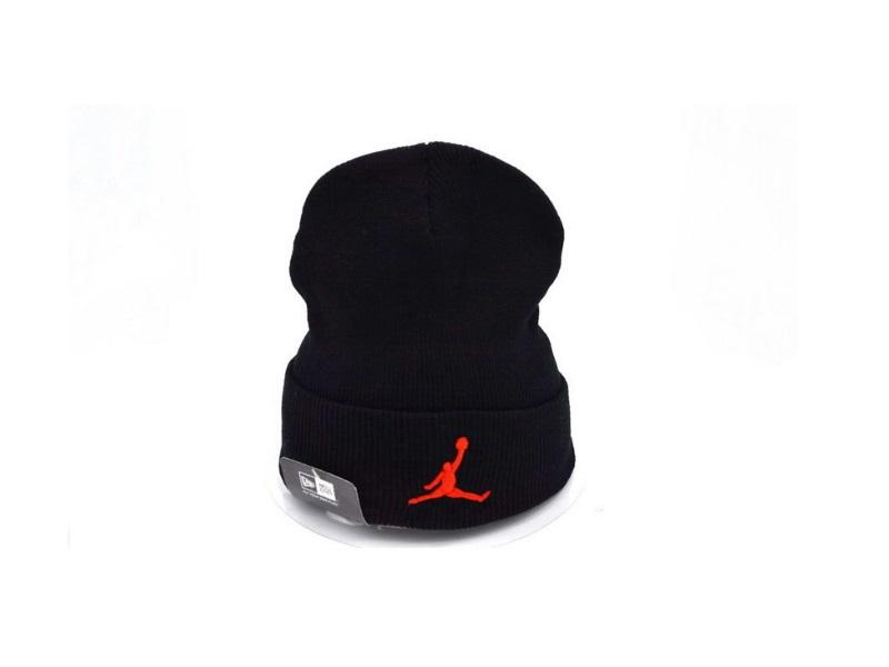 Шапка Air Jordan #2 чёрно-красная