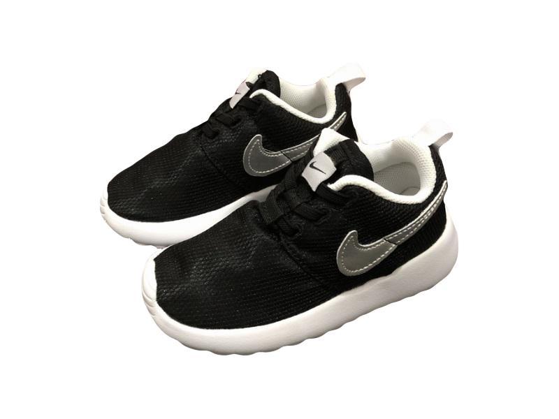 Nike-Kids-Roshe-Run-16