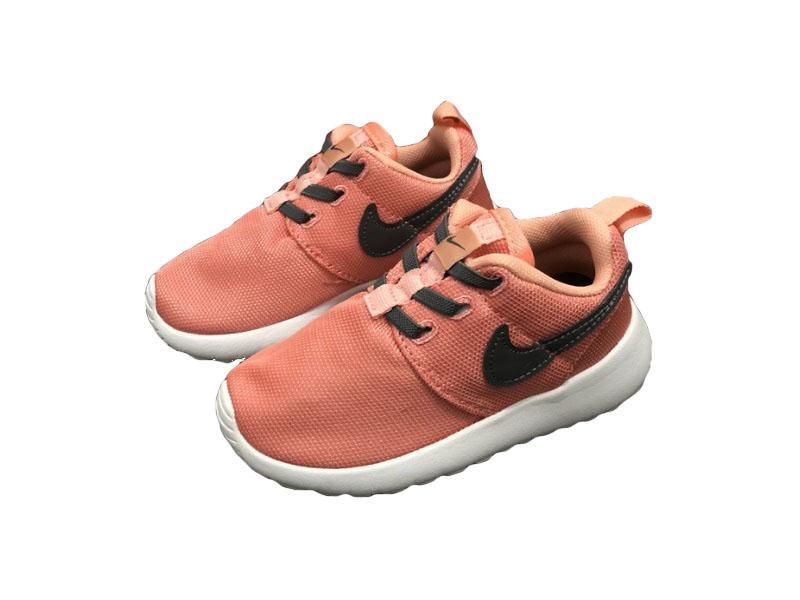 Nike-Kids-Roshe-Run-20