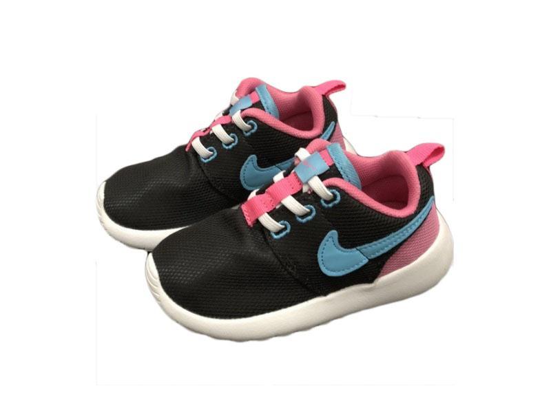 Nike-Kids-Roshe-Run-4