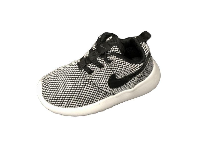 Nike-Kids-Roshe-Run-5