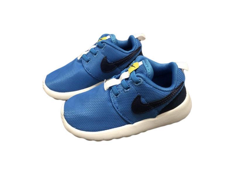 Nike-Kids-Roshe-Run-8