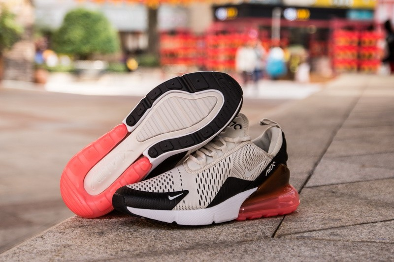 Nike-Air-Max-270-Light-Bone-Hot-Punch-3