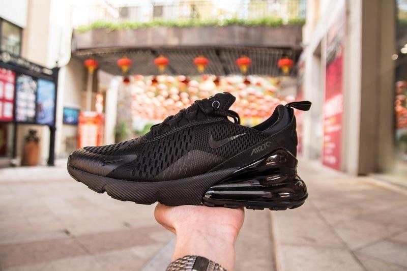 Nike-Air-Max-270-Triple-Black-2