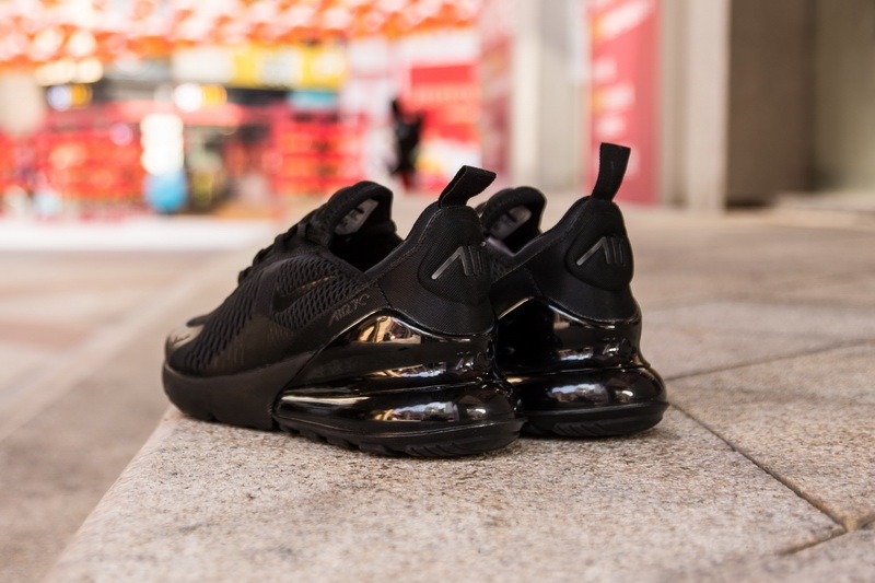 Nike-Air-Max-270-Triple-Black-4