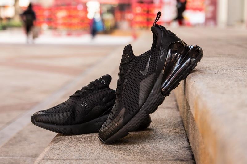 Nike-Air-Max-270-Triple-Black-5