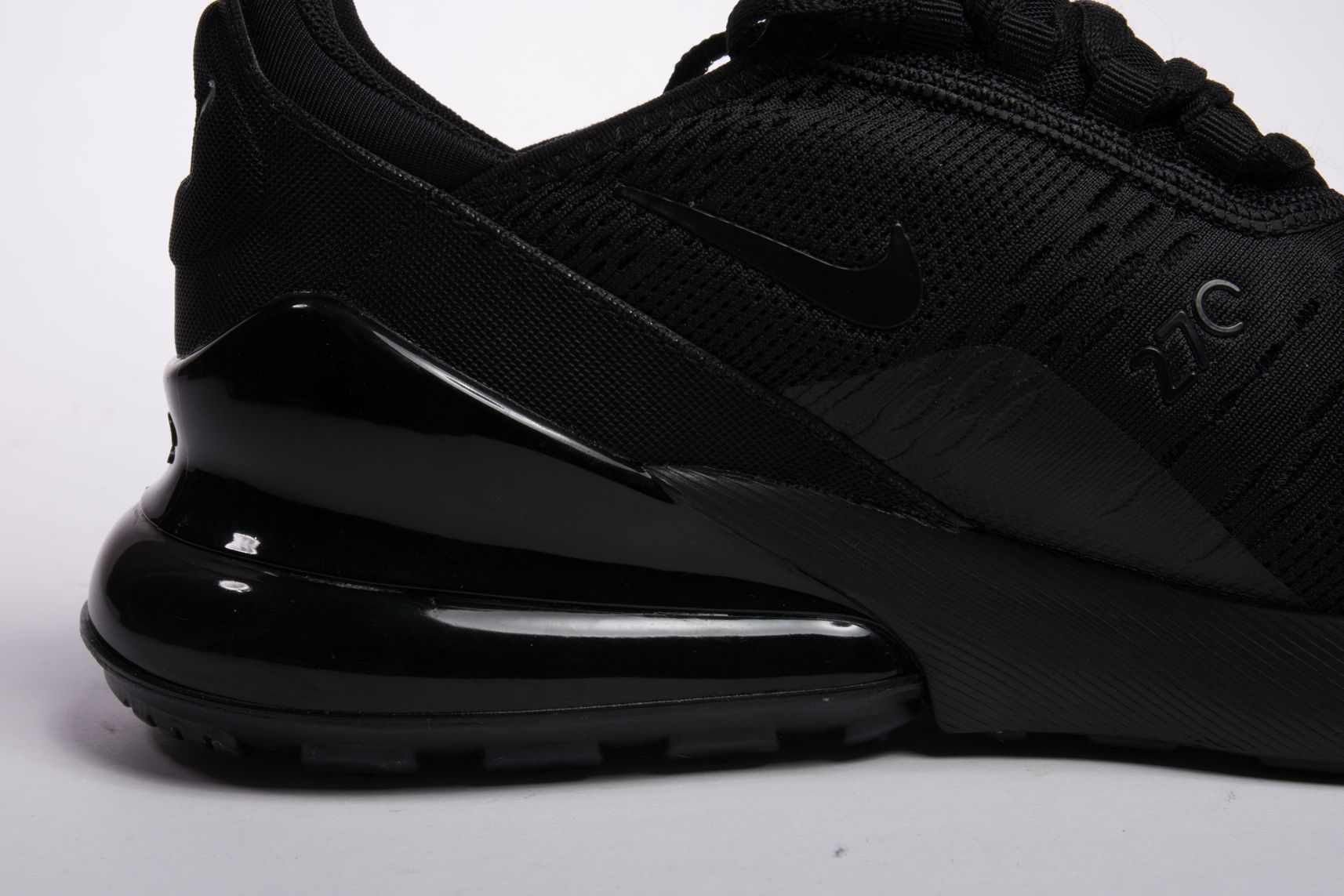 Nike-Air-Max-270-Triple-Black-6