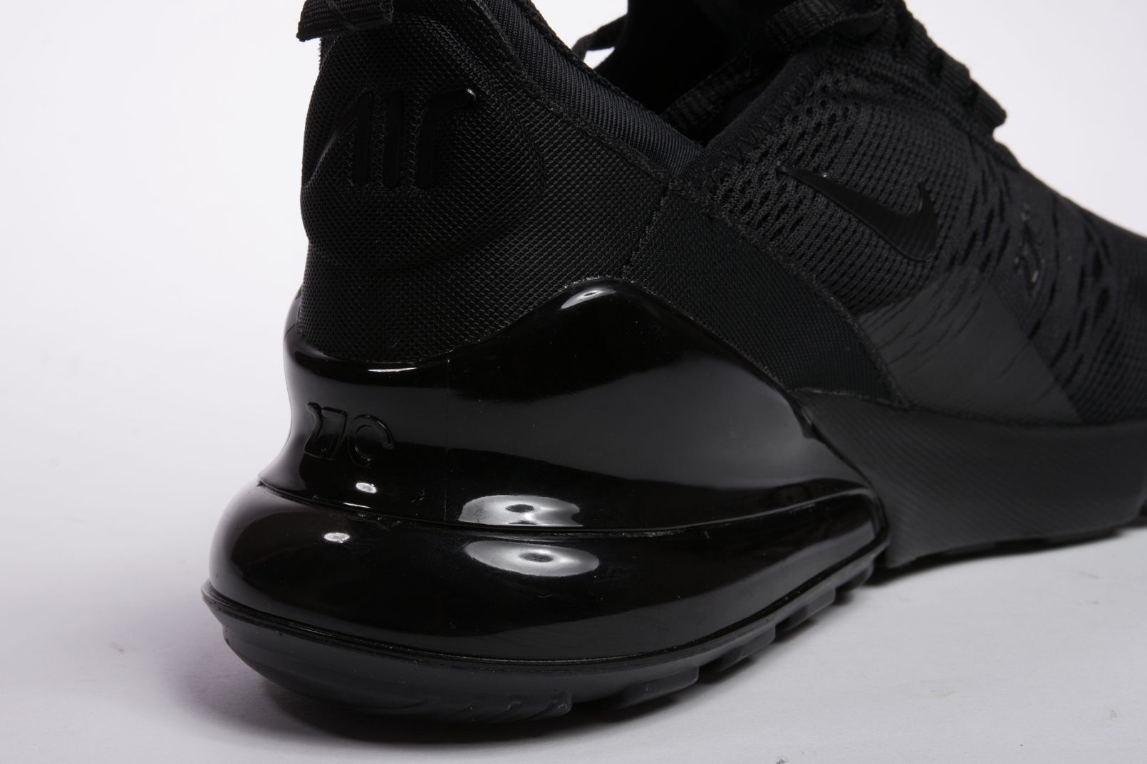 Nike-Air-Max-270-Triple-Black-7