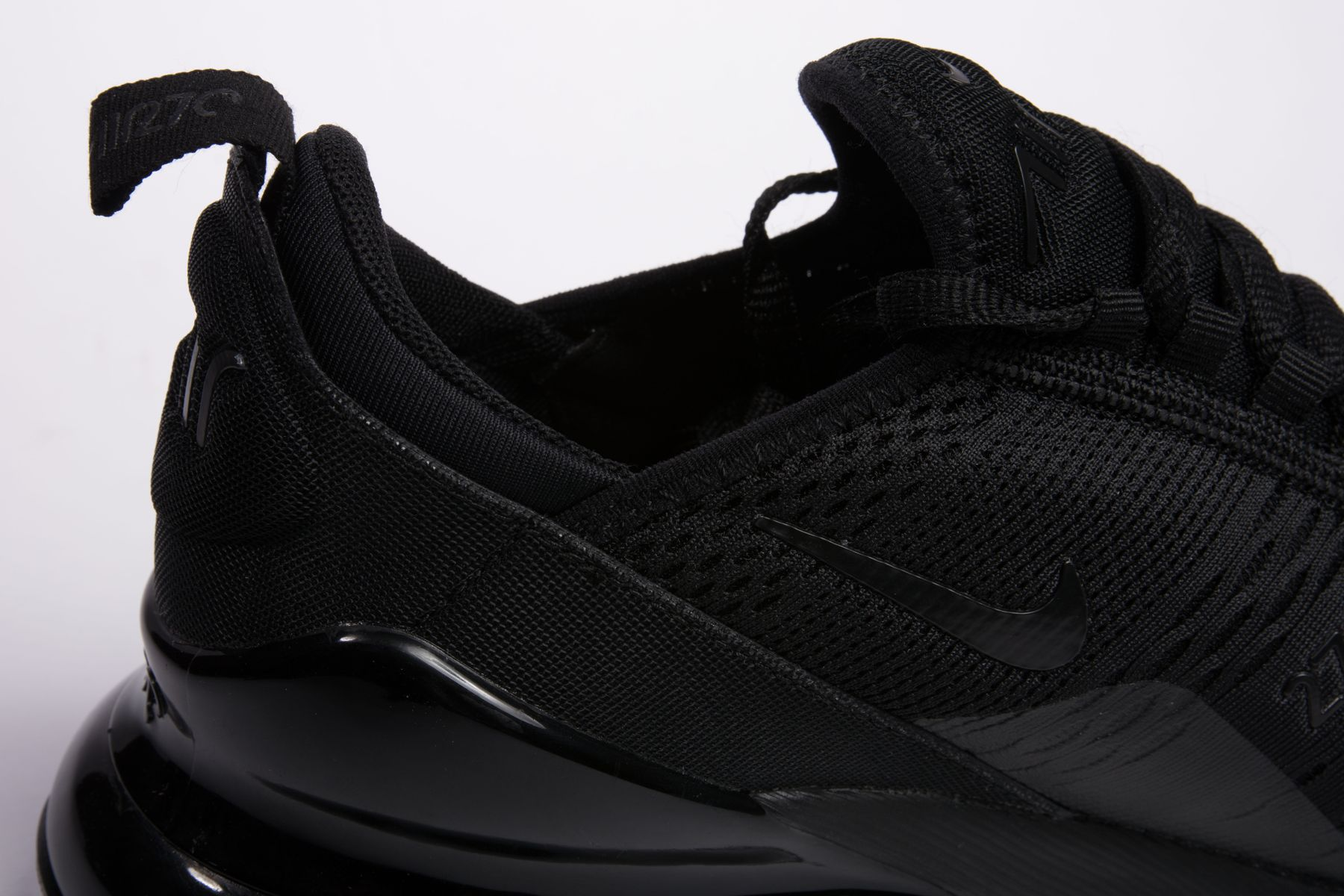 Nike-Air-Max-270-Triple-Black-9