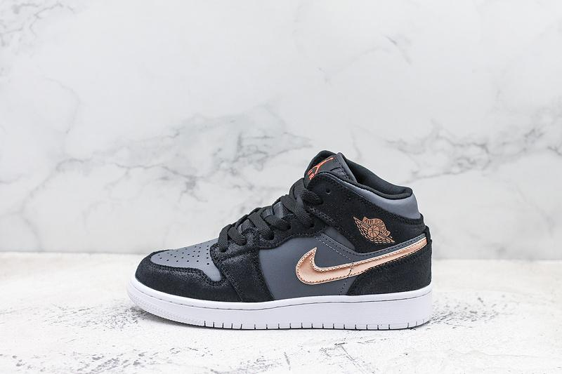 Air Jordan 1 Retro High GS Black Metallic Red Bronze 1
