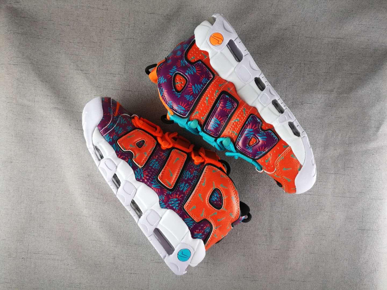 Купить кроссовки подростковые Air More Uptempo What The 90s (GS) с носками в подарок и бесплатной доставкой