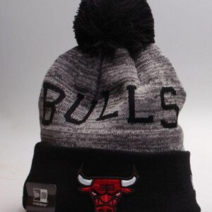 Купитьшапку Bulls Black & Gray Knit Hat 2018 с бесплатной доставкой