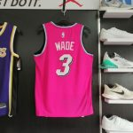 2018-19 Dwyane Wade Heat #3 Earned Pink-2