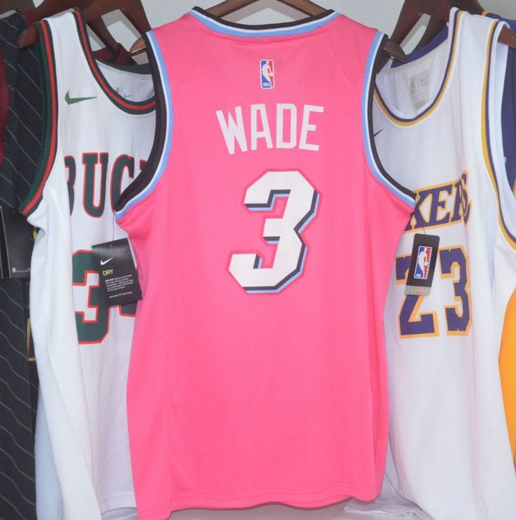 2018-19 Dwyane Wade Heat #3 Earned Pink