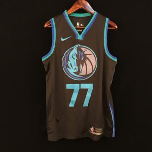 2018-19 Luka Doncic Mavericks #77 City Anthracite
