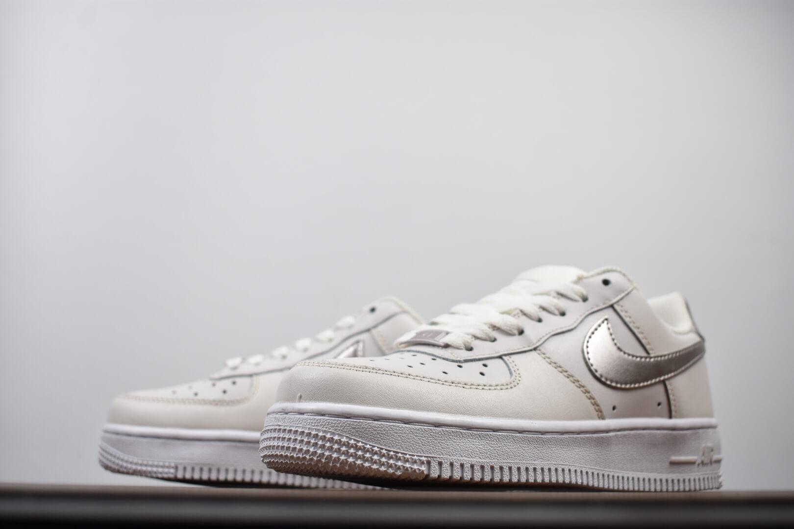 Заказать поиск кроссовок Air Force 1 Low GS Phantom