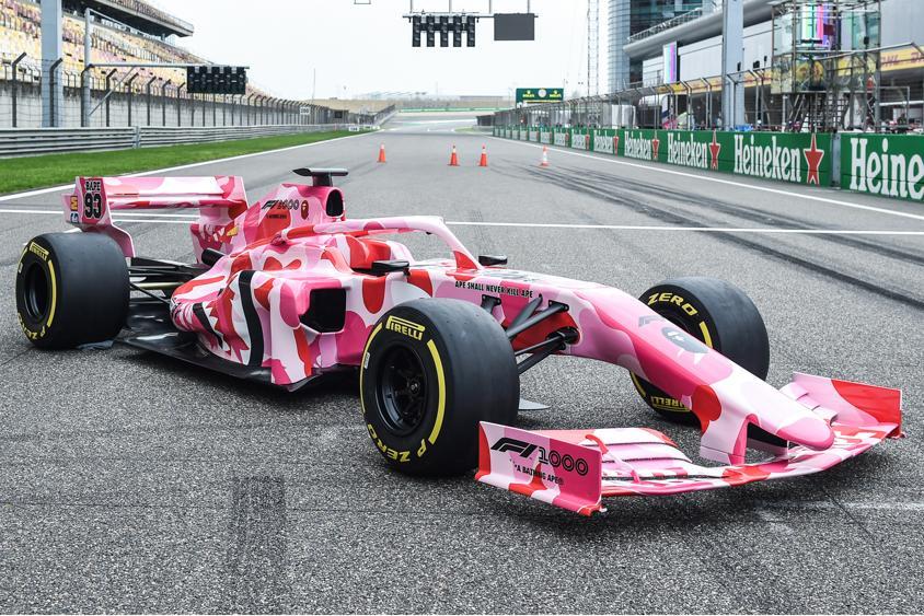 BAPE & Formula 1 представляют гоночную машину в розовом цвете ABC CAMO