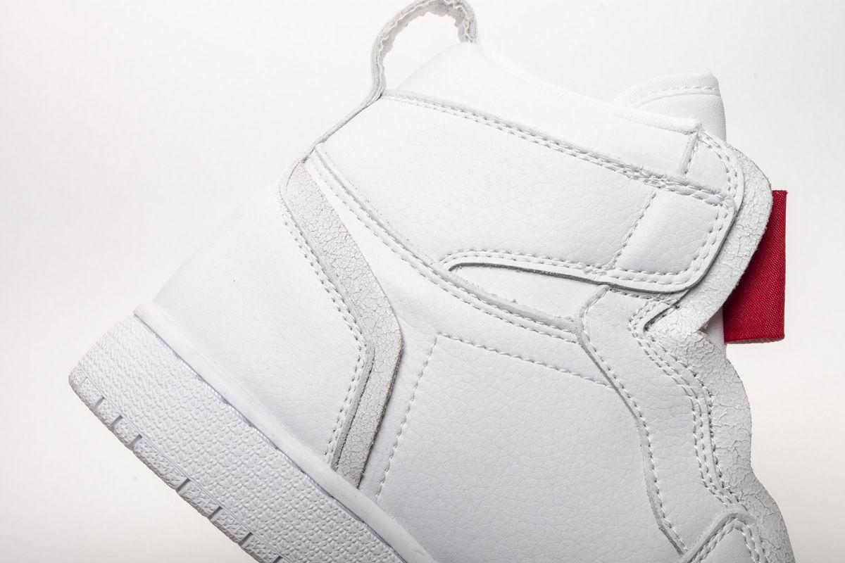 Заказать поиск кроссовок Wmns Air Jordan 1 Retro High Zip White