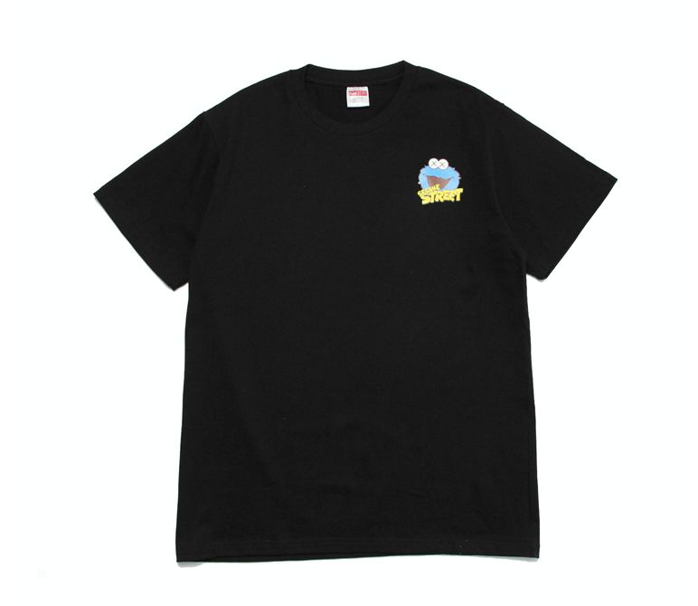 Заказать поиск футболки 2019 KAWS x Sesame Street Cookie Monster Tee Black