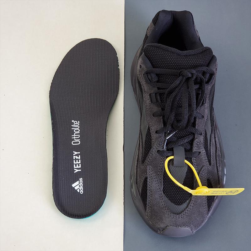 adidas Yeezy Boost 700 V2 Vanta-28