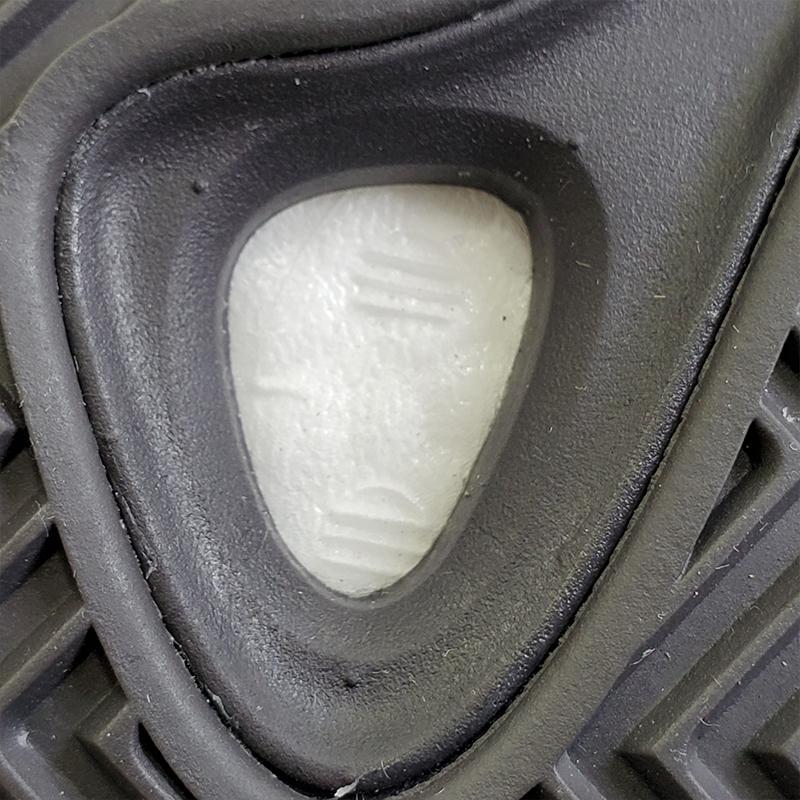 adidas Yeezy Boost 700 V2 Vanta-29