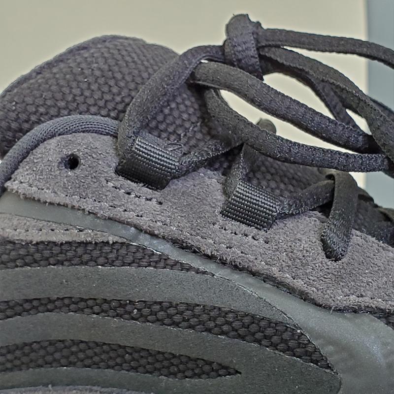 adidas Yeezy Boost 700 V2 Vanta-37