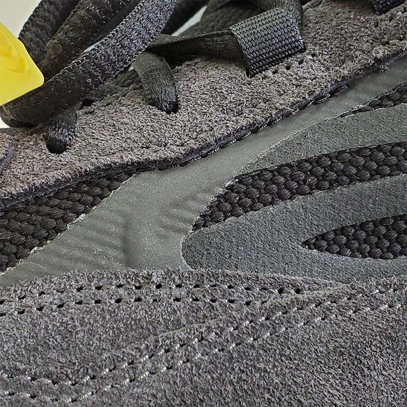 adidas Yeezy Boost 700 V2 Vanta-46