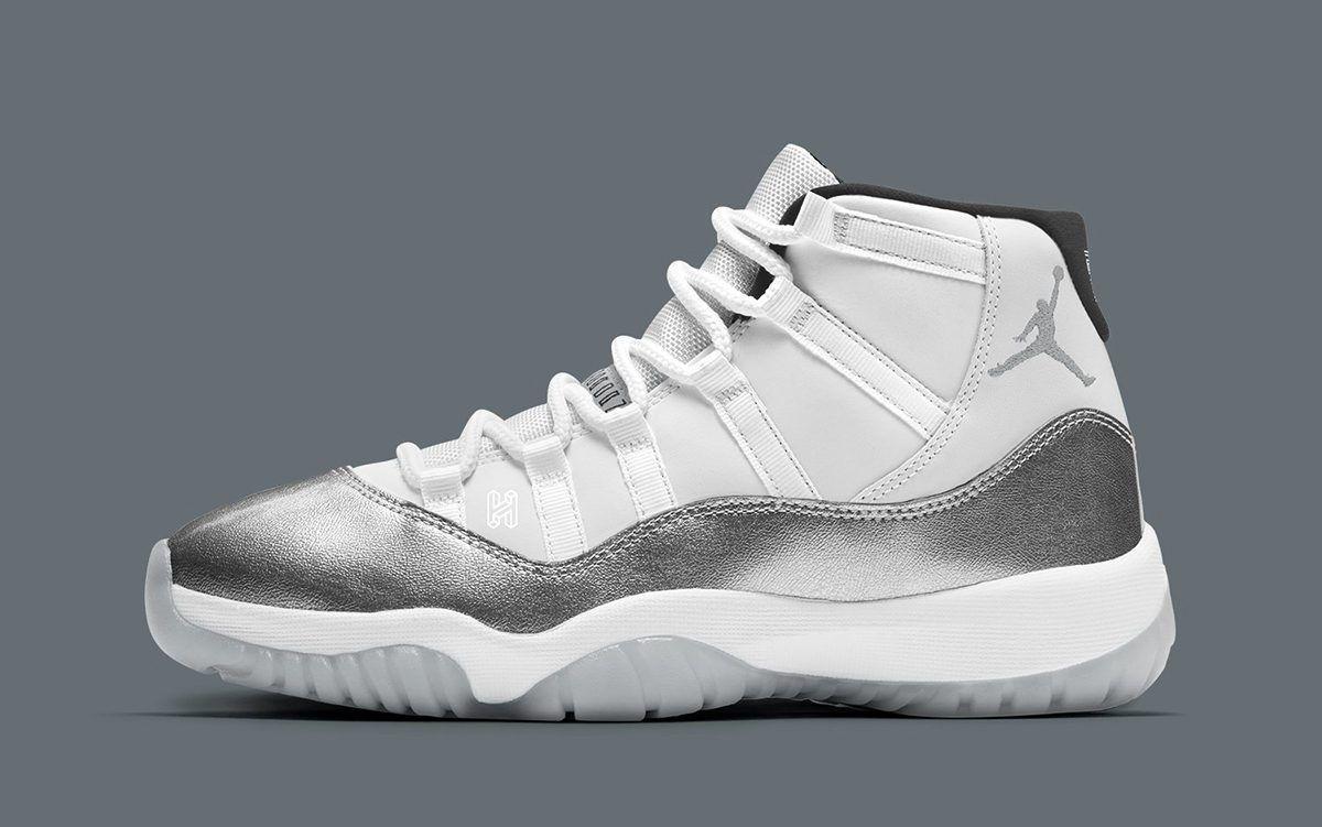 Jordan 11 в серебристом металле поразят сторы на рождество