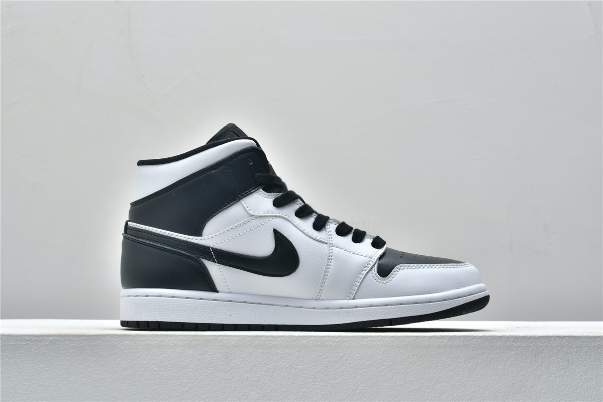 Wmns Air Jordan 1 Mid White Black 2