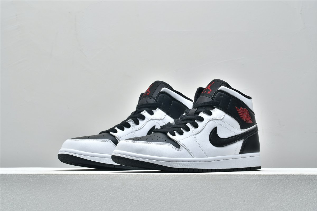 Wmns Air Jordan 1 Mid White Black 4