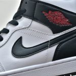Wmns Air Jordan 1 Mid White Black 8