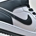 Wmns Air Jordan 1 Mid White Black 9