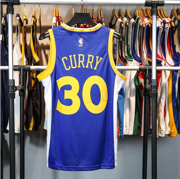 2017-18 Stephen Curry Warriors #30 Icon Royal