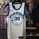 2017-18 Stephen Curry Warriors #30 White Hardwood Classics-1