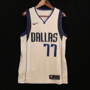 2018-19 Luka Doncic Dallas Mavericks #77 Association White