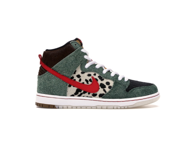 Nike SB Dunk High Dog Walker