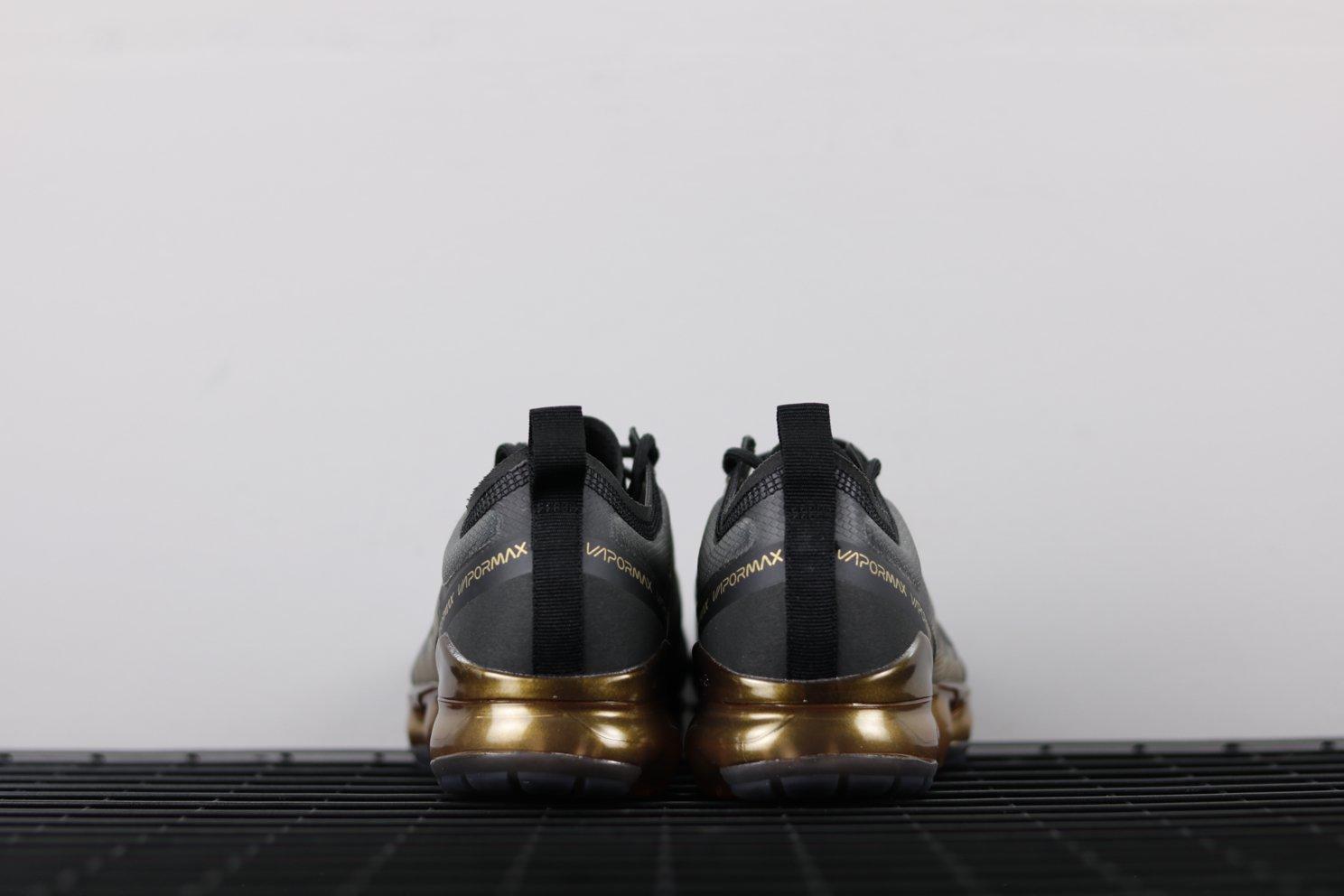 Air VaporMax 2019 Black Gold