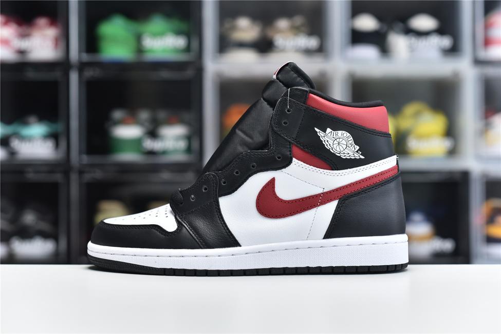 Air Jordan 1 Retro High OG Gym Red 1