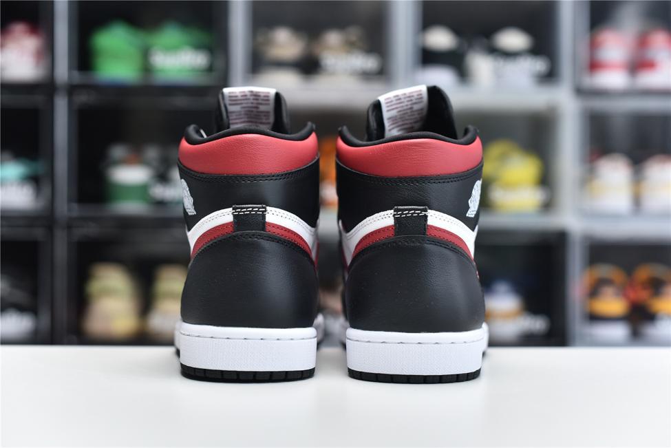 Air Jordan 1 Retro High OG Gym Red 4