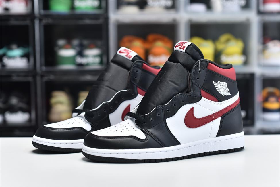Air Jordan 1 Retro High OG Gym Red 6