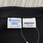 UNDEFEATED x CHAMPION 5 STRIKE RW CREW SWEAT-2