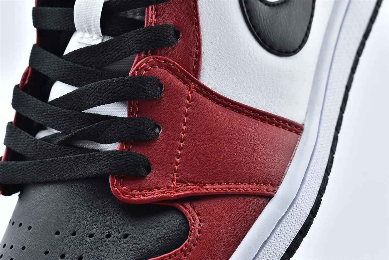 Air Jordan 1 Mid Chicago Black Toe 11