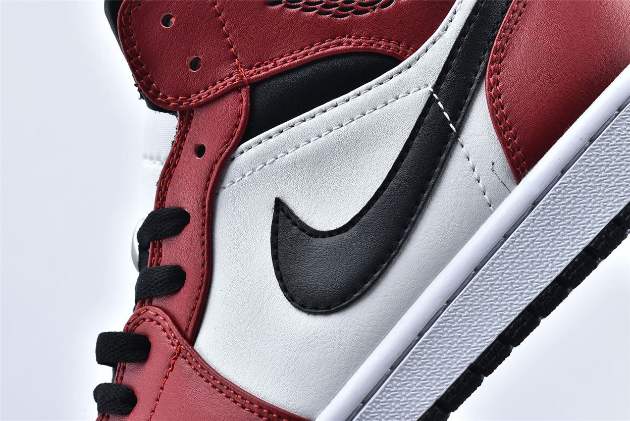 Air Jordan 1 Mid Chicago Black Toe 12